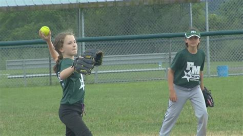 section 4 little league ny f m softball little league looks to bring home state crown