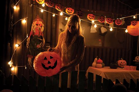 halloween show themes tips to help halloween house party hosts mcti blog