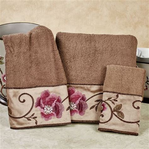 Larissa Embroidered Floral Bath Towel Set Bathroom Rugs And Towels