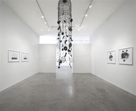 barbara davis gallery visit houston andrea bianconi trappole del pensiero barbara davis gallery