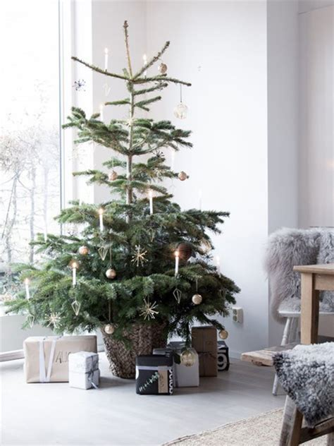 festive home decor the scandinavian way home dzine home decor scandinavian christmas