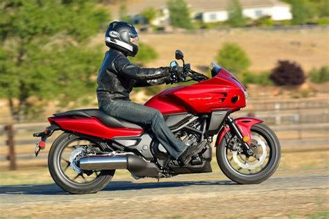 2014 Honda CTX700 DCT ABS: MD Ride Review