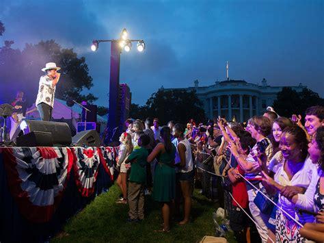 white house celebrates fourth of july with bruno mars