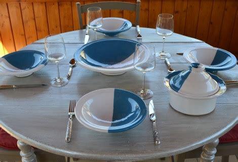 grossiste vaisselle de table table de lit a roulettes