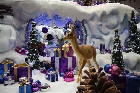 bbc in pictures milton keynes christmas display 2010