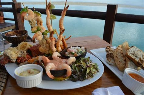 flying boat restaurant aitutaki the best seafood platter picture of flying boat beach