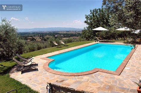 Villa with swimming pool for sale near Assisi