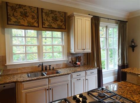ideas for kitchen window curtains eat in kitchen window treatment ideas home intuitive
