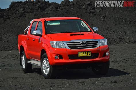 Toyota Hilux 2013 2013 Toyota Hilux Sr5 Review Performancedrive