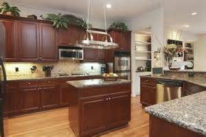 Decorating Over Kitchen Cabinets by Decorating Above Kitchen Cabinets Tuscan Style Decolover Net