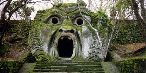 viterbo giardini di bomarzo parco dei mostri le spaventose e affascinanti statue di
