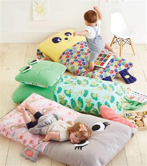 riesen bodenkissen riesen kissen f 252 r kinder n 228 hen how to sew a child floor