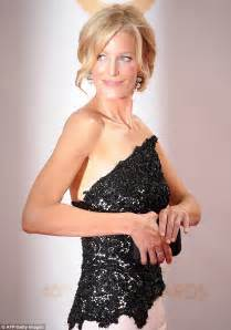 Emmys 2013 breaking bad s anna gunn stuns in glamourous gown on emmys