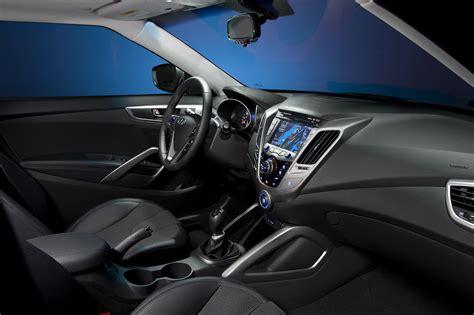 2012 Hyundai Veloster Autoomagazine