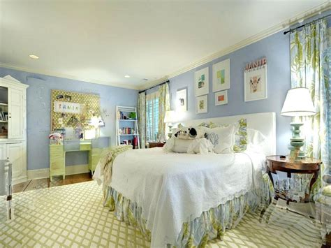 How To Decorate A Blue And White Bedroom by Blue And White Bedroom Blue And White Bedroom Decorating
