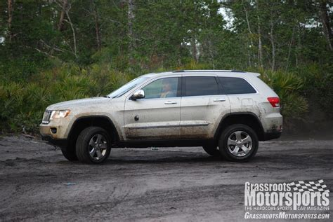 jeep grand cherokee mudding 2012 jeep grand cherokee overland summit new car reviews