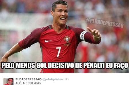 Memes Sobre Messi - messi vira alvo de piadas ap 243 s gol de p 234 nalti de cristiano