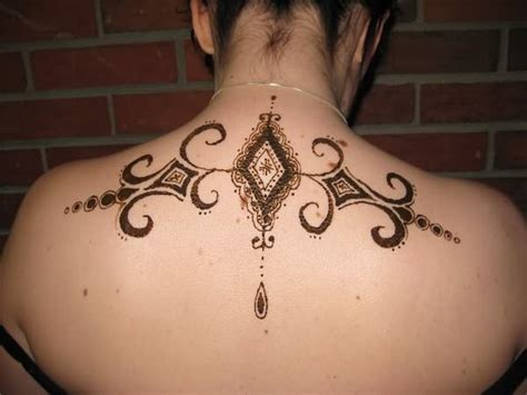 henna tattoo back neck henna design on back neck