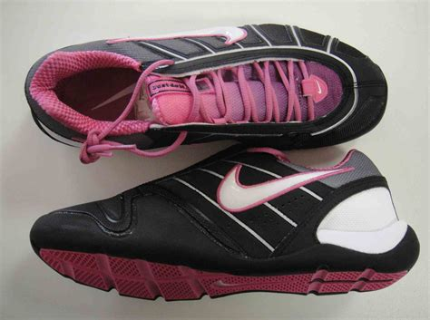 nike pink and black shoes 15 cool hd wallpaper