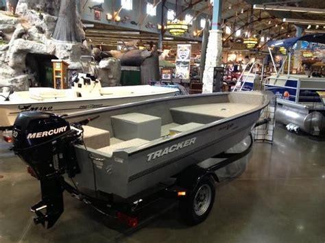 bass pro shop boats pontoon tracker boat center bass pro shops family boats