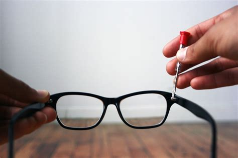 how to tighten glasses leaftv
