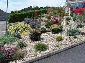 i make this blog landscaping with gravel ideas