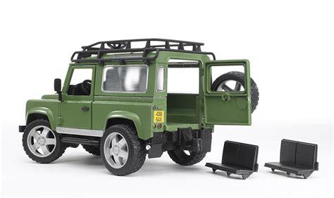 toy range rover bruder land rover defender 02590