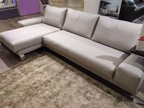 divano doimo prezzo divano doimo sofas mod logan divani a prezzi scontati