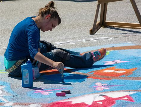 chalk paint erie pa celebrate erie chalk walk 2014 sidewalk chalk artist erie pa