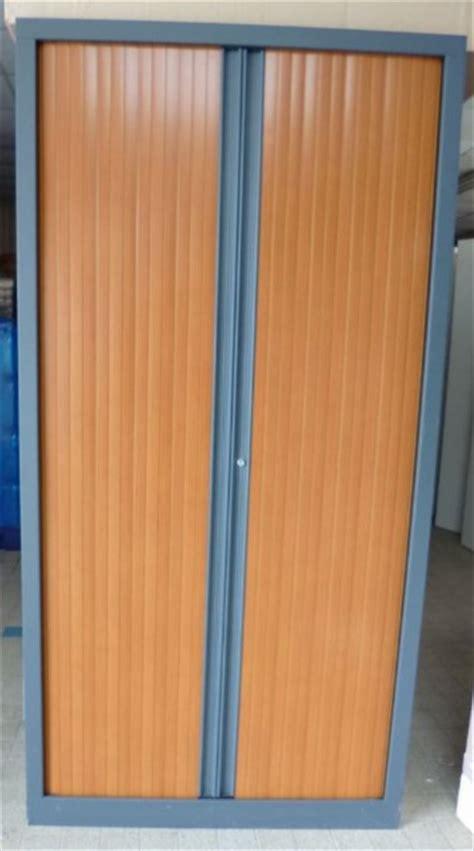 armoire à rideaux occasion occasion mobiliers de bureau armoires 224 rideaux d occasion