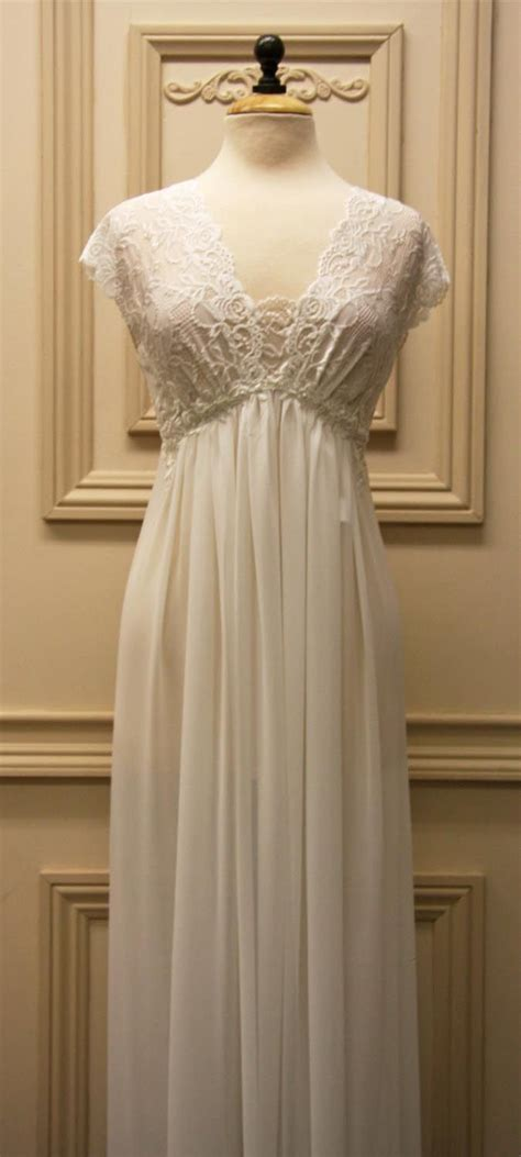Best 25  Bridal Nightgown ideas on Pinterest   Classy