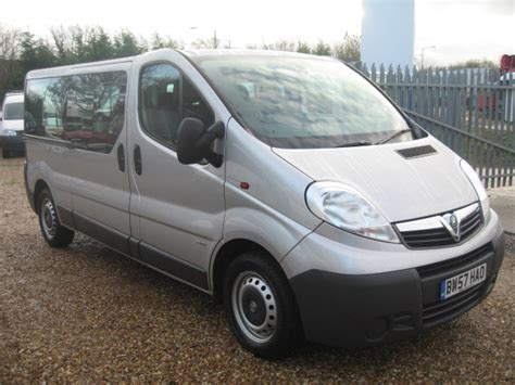 vauxhall vivaro lwb 9 seater minibus carrier