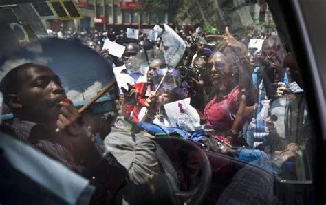 C è Il Per Le Donne kenya le donne protestano per il diritto di indossare quel