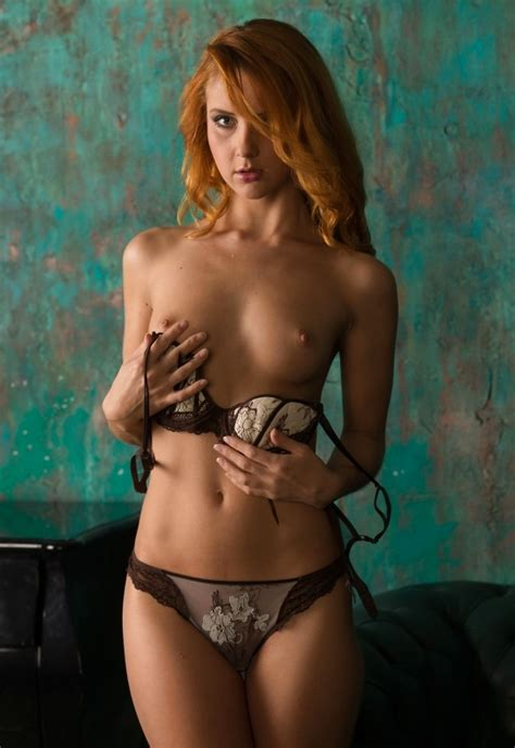 Martina In The Jungle By The Life Erotic 16 Photos