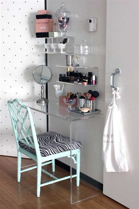 Diy Makeup Desk Vanities Small Rooms And A Small On Pinterest