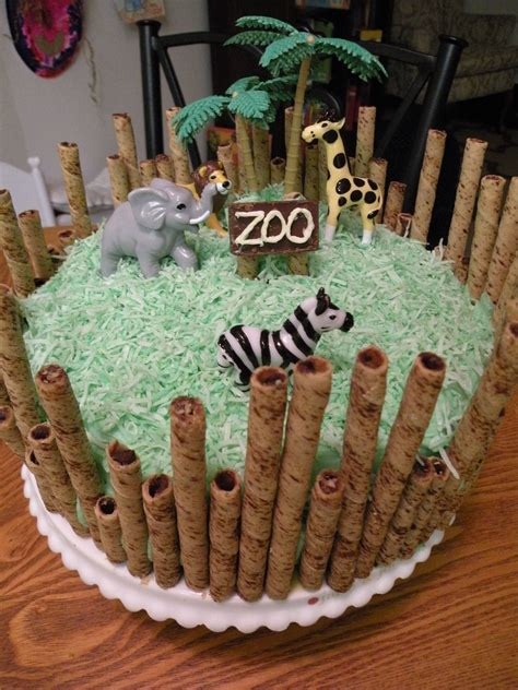 zoo themed birthday cake ideas zoo cake i love pirouettes this is so do able stuff