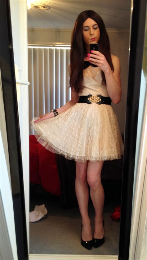 femboys in dresses lizzytgirls blowyourmind15 them legs are just wow