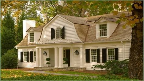dutch colonial house style dutch colonial style houses colonial style homes old colonial homes coloredcarbon com