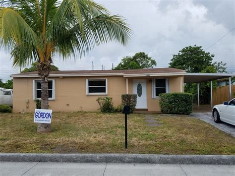 rooms for rent in west palm 1021 w 2nd st west palm fl 33404 3 bedroom house for rent for 1 475 month zumper