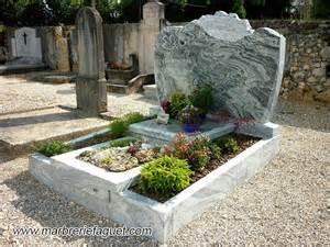 gravure sur tombe et personnalisation monument 233 raire