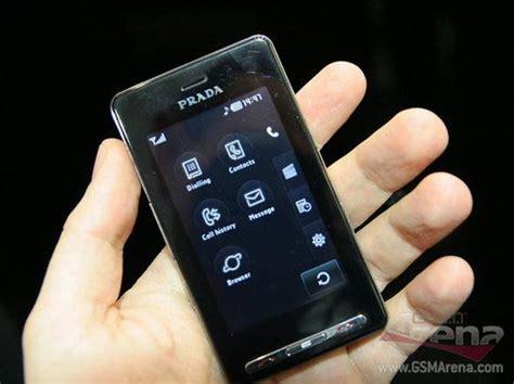 Susi Shows The Lg Prada Phone by клоны страница 4 архив форума Iphone Forum Russia