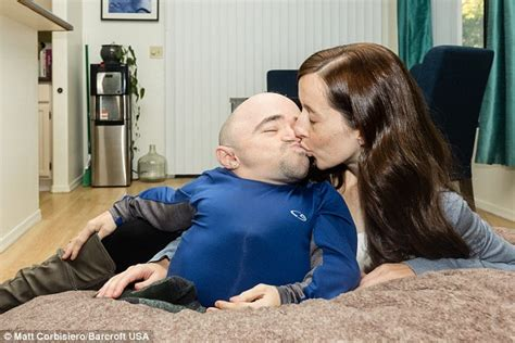 how to please your wife in bed photos wife of 2ft 8in man fires back at bullies who say