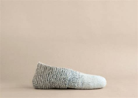 knit house slippers 25 best ideas about knitted slippers on pinterest knit