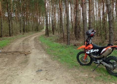 Motorrad Wald by Enduro Fahren Bei Berlin Mit Ktm 690 Und Pirelli Mt 21
