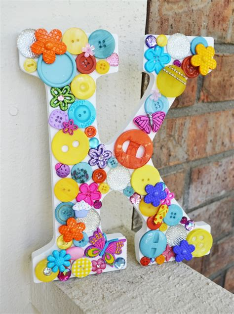 craft projects with buttons button letter craft project tutorial