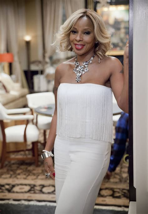 mary j blige pictures first look at mary j blige in lee daniels empire