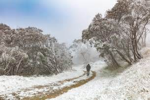 snow falls in victoria in the middle of summer daily