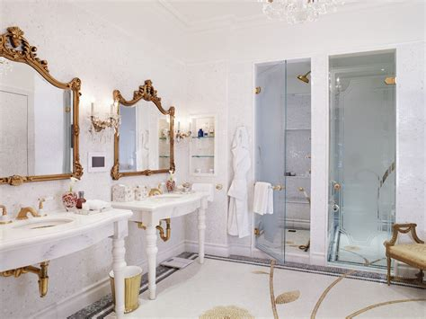 royal bathroom gilt without the guilt