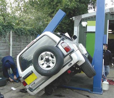 safety      post vehicle lifts