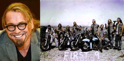 first 9 sons of anarchy prequel kurt sutter espone i suoi piani per il prequel quot first 9
